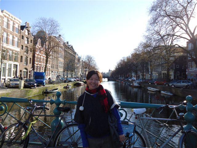 運河旁一定有腳車。腳車是荷蘭人重要的代步工具哦