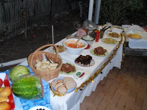 平安夜聚会,各国美食。。。