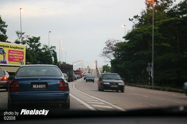 這是麻坡第一橋