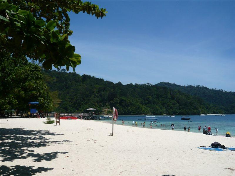 碧海蓝天白沙滩