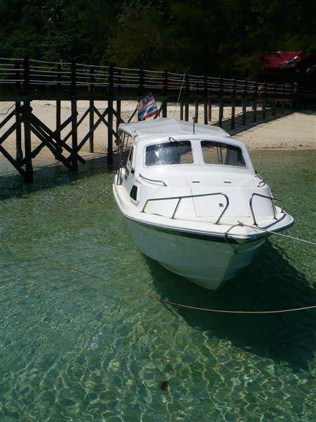 美丽的Sapi岛,海水很清。
