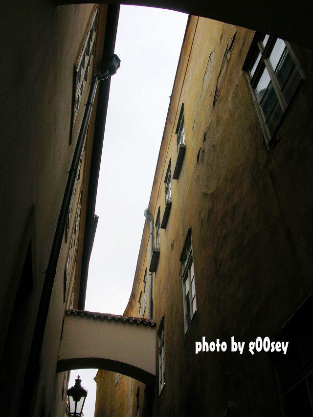 窄窄的小巷
